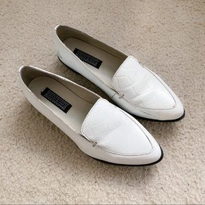 🌕2for$20-Urban Outfitter deena&ozzy white loafer
